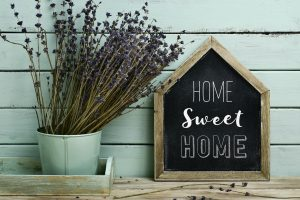Home Sweet Home sign with flowers