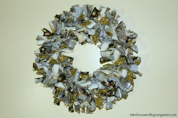 Rag Wreath using Little House on the Prairie fabric