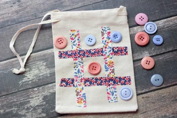 Tic-Tac-Toe Travel Game Bag