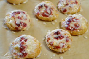 Very simple and delicious cranberry cream cheese danishes. They use leftover cranberry sauce and Immaculate Baking Company organic crescent rolls so they are done in no time. #ad #OrganicHolidayBaking #ImmaculateBaking @ImmaculateBakes