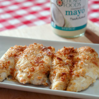 Easy parmesan crusted chicken, coconut oil mayo, parmesan chicken, easy chicken recipe, #sponsored #chosenfoods #cocomayo