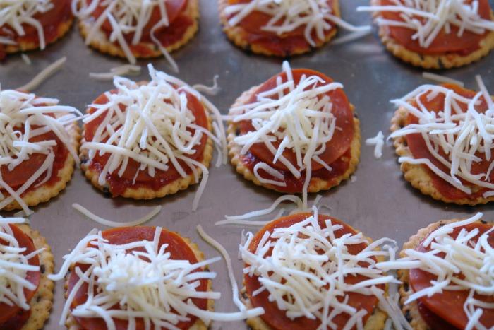 making pizza bites