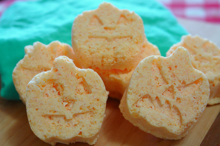 Halloween Bath Bombs, Orange Bath Bombs, Essential Oil Bath Bombs, Pumpkin Bath Bombs