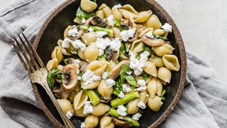 Goat Cheese and Asparagus Spinach Pasta