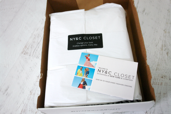 NY&C Closet box open