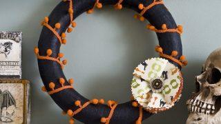 Make a Halloween Wreath with Pom Pom Action