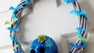 How to Make a Glittery DIY Skull Wreath